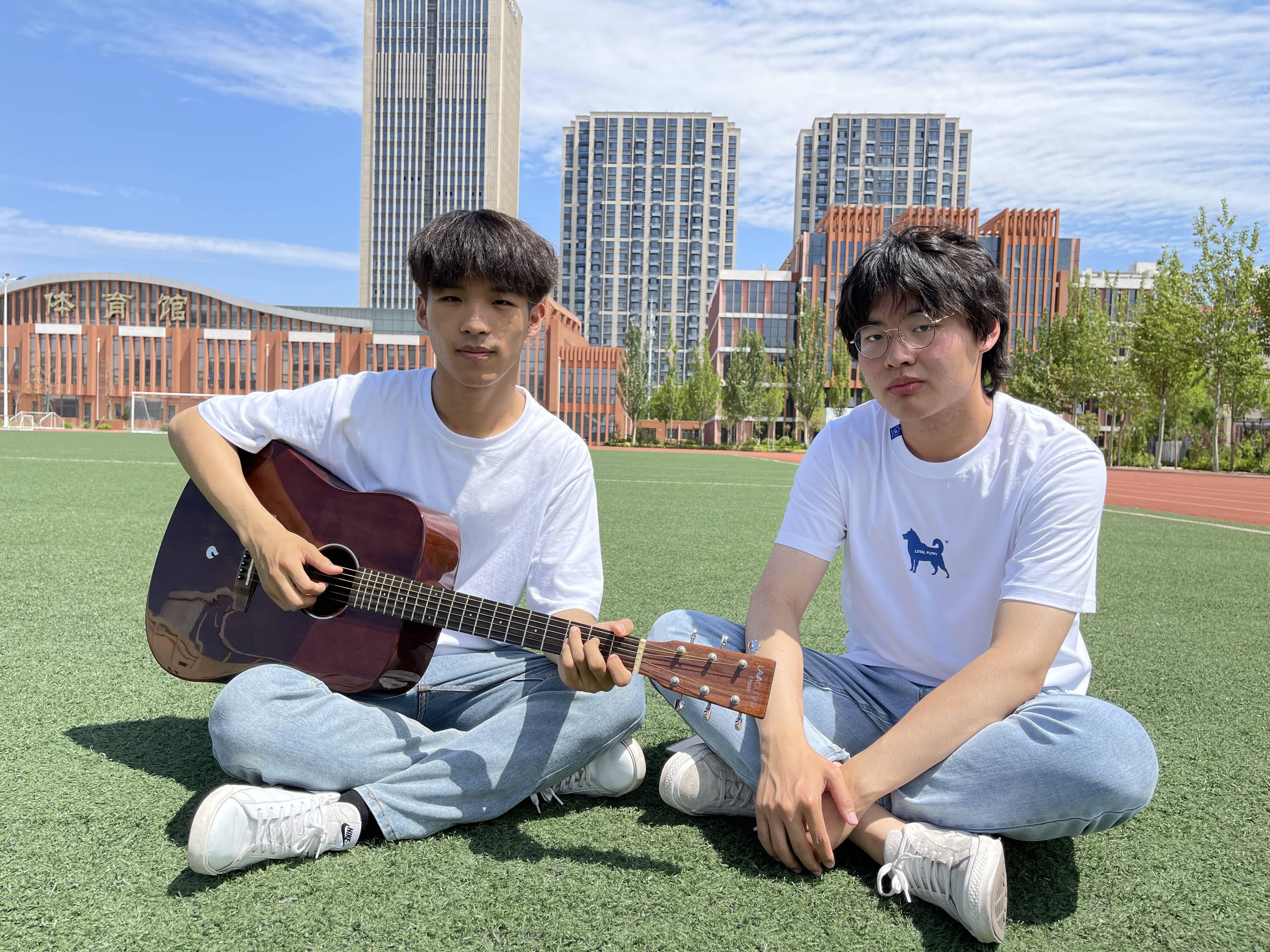 好听!德州高中生原创毕业歌曲《二一年花开》,纪念校园生活记录美好青春