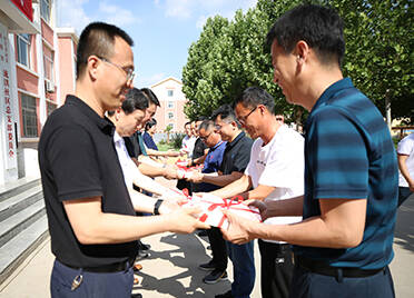 山东电子音像出版社、齐鲁书社赠书仪式在齐河举行 11个村获赠价值12万元图书及影像