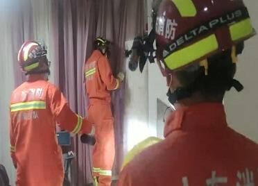 居民家中驚現一只蝙蝠 威海消防員及時趕到為其解圍