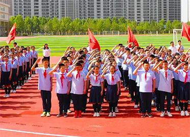德州齐河红色歌曲传唱快闪  300多名少先队员唱响《我们是共产主义接班人》