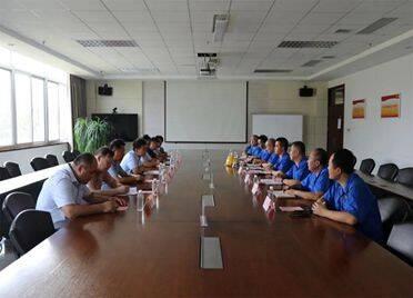 校企协同育人 山东交通技师学院与山重建机2021级新型学徒制签约开班