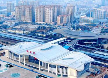 @广大旅客,在潍坊火车站乘车注意分清检票站房