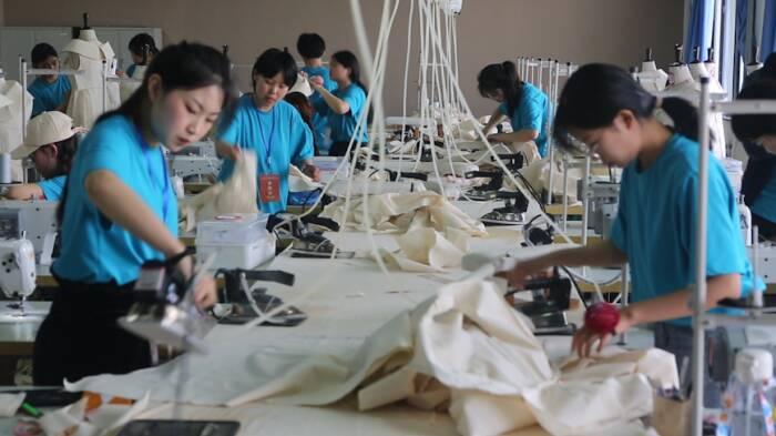 全省服裝制版師職業技能競賽在威舉行