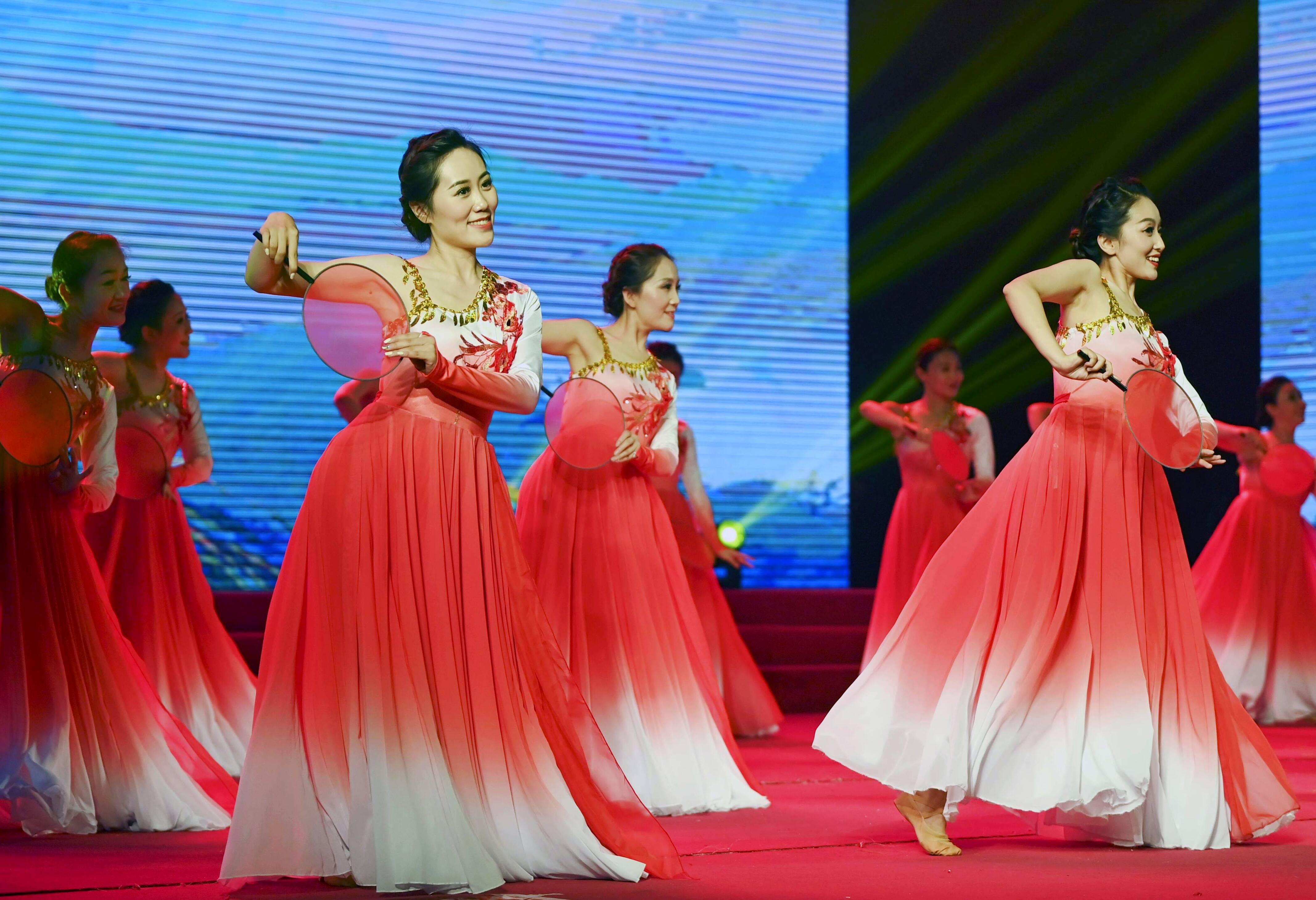 自编自导自演!这群青年舞蹈演员用自己的方式庆祝中国共产党成立一百周年