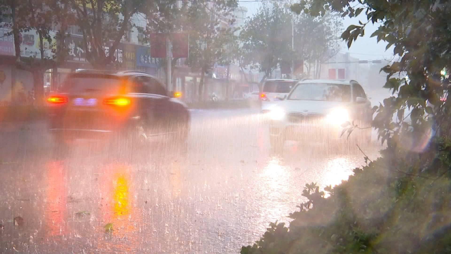 雷电黄色预警!济南大部地区有雷阵雨+9级雷雨大风,局地有短时强降水