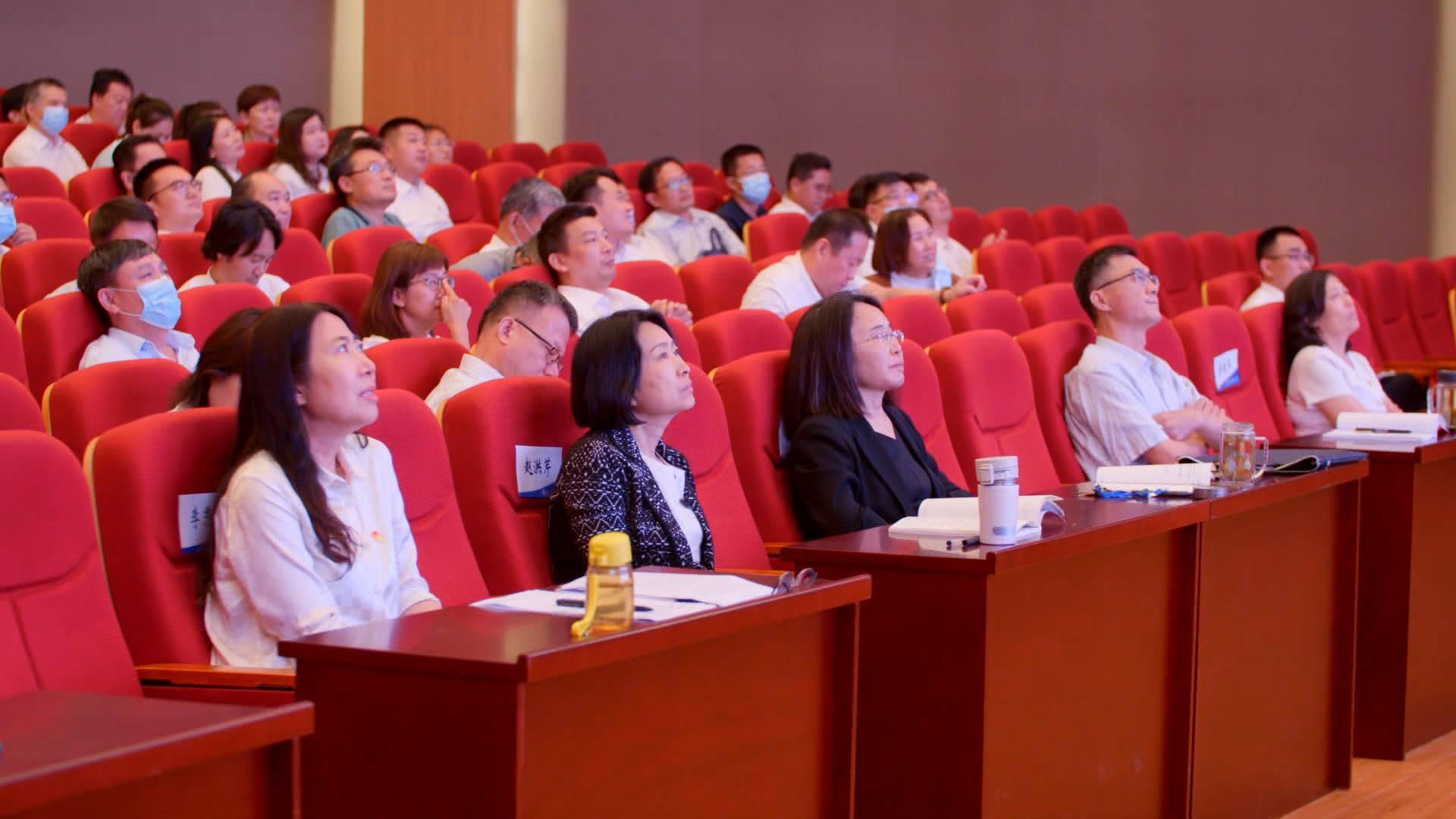 济南工程职业技术学院师生收看庆祝中国共产党成立100周年大会