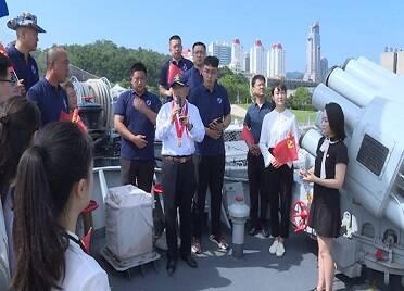 威海:感受軍威 弘揚海軍精神