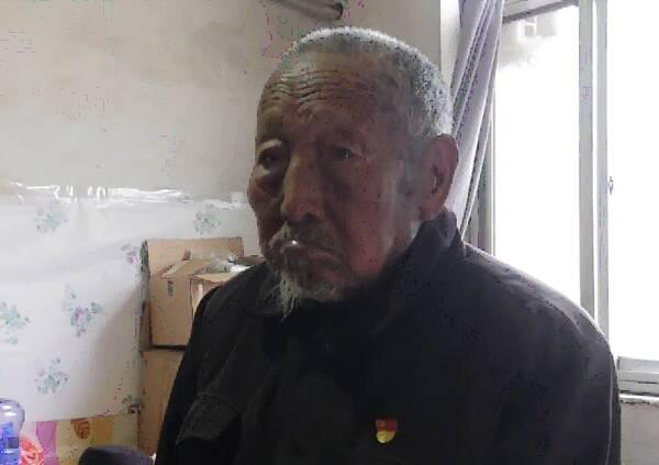 生于1921 吴洪秀:加入民兵支援孟良崮战役 抬担架送军粮