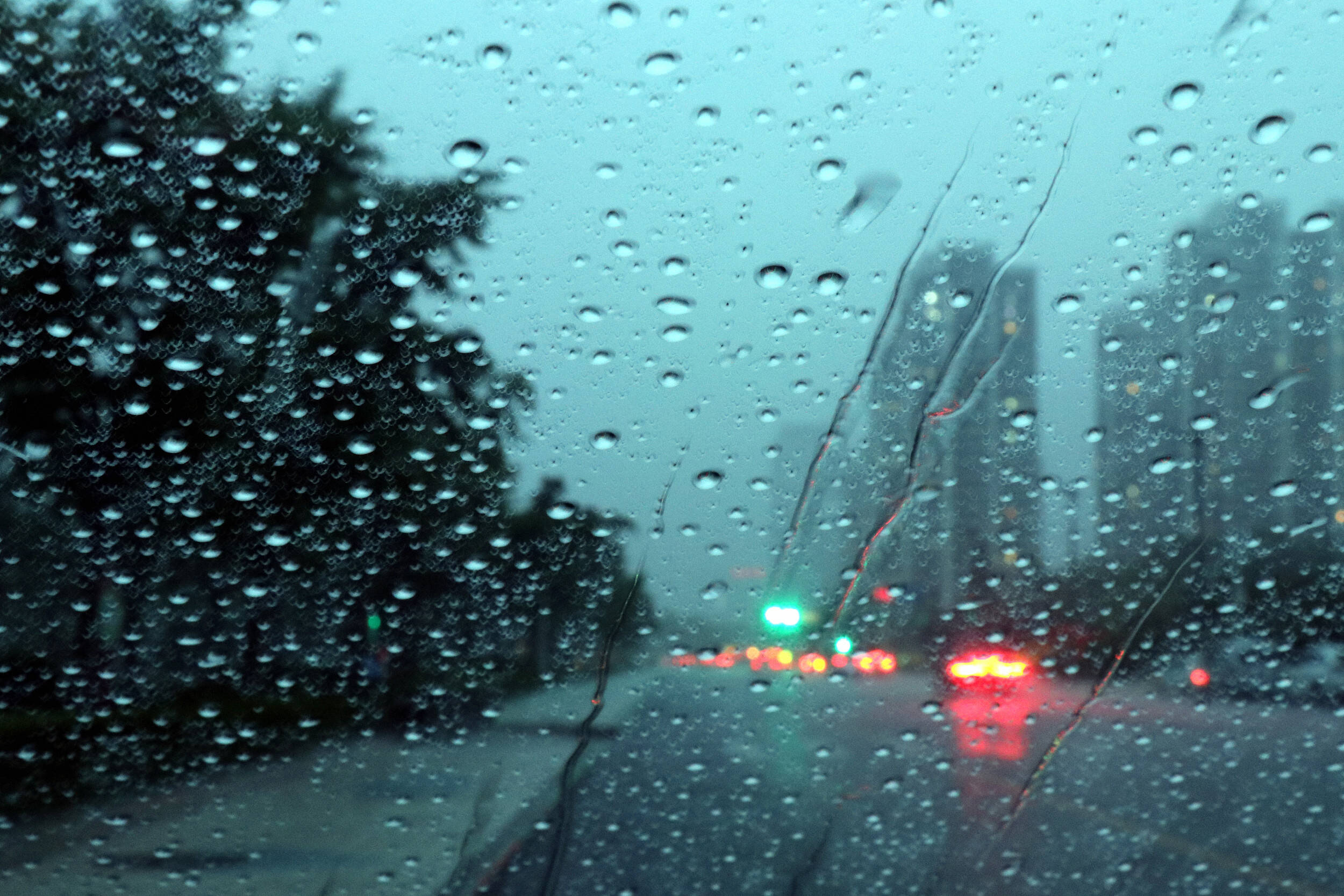 山东大部分地区将有雷雨或阵雨,局部有冰雹!注意做好强对流天气防范应对