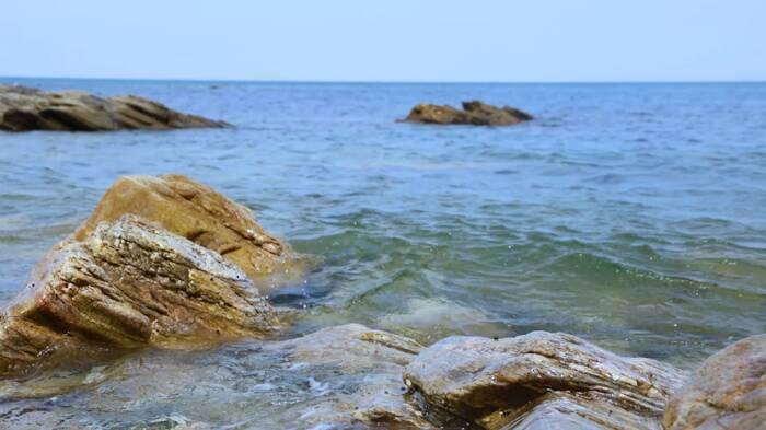 漫步經區絕美海灣 享夏日清涼
