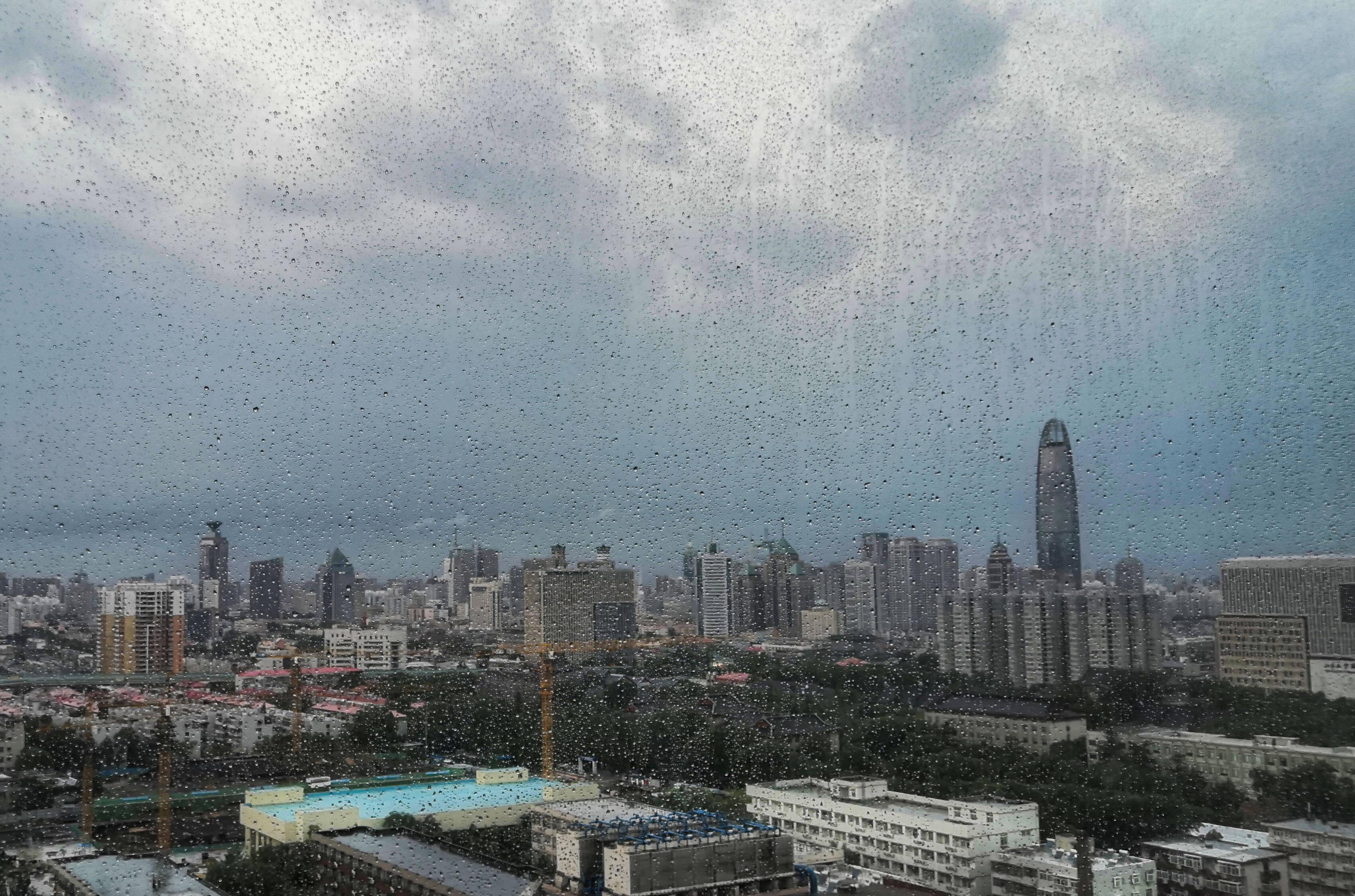 济南今晨再迎强降雨 气象部门发布蓝色预警