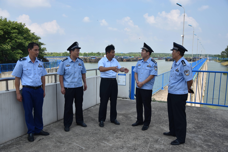 枣庄市公安局水警支队联合多部门开展运河泄洪期安全检查工作
