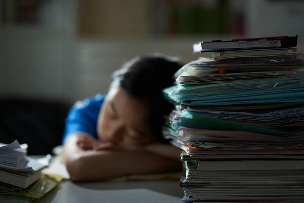 教育部:学生因心理问题在校发生意外 学校要第一时间联系家长