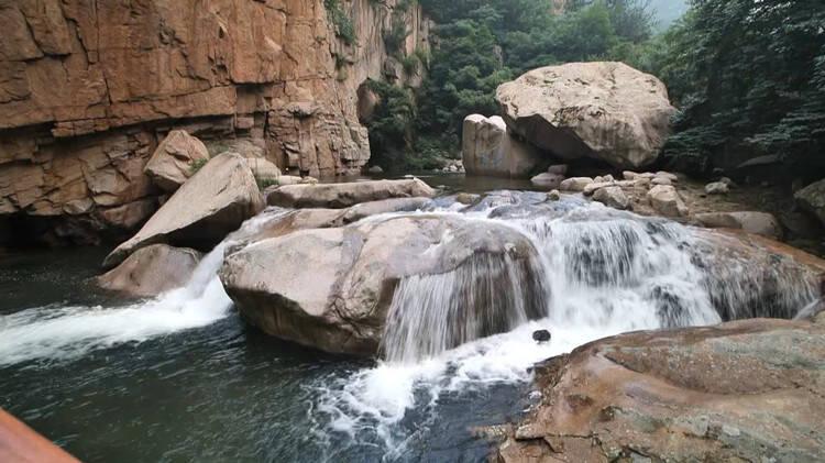 诗画山东丨雨后崂山九水游览区:山色如墨 飞瀑如雪