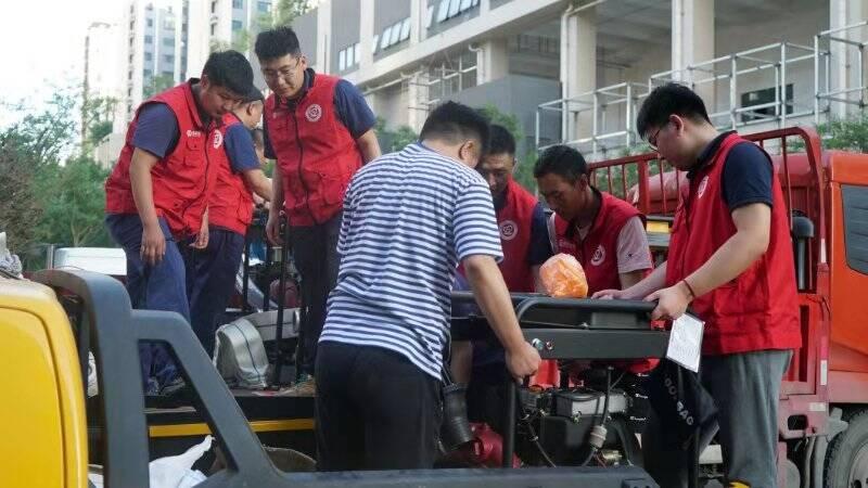 郑州地铁挺住,青岛地铁来了!青岛地铁应急抢险救援队跨越750公里紧急驰援郑州