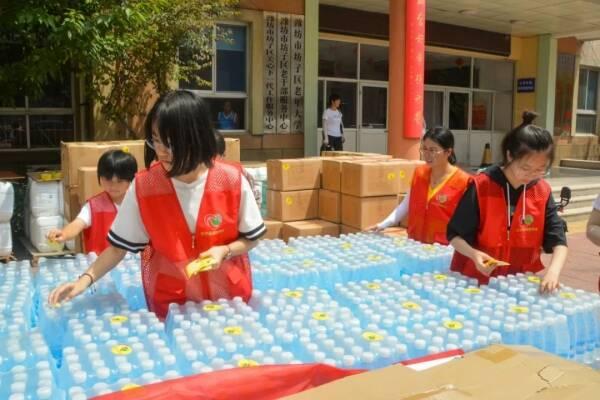 社会各界积极行动起来!潍坊市坊子区筹集15吨物资驰援河南