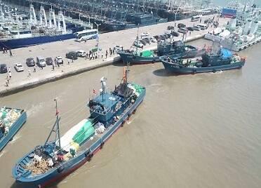 2021年魷魚專項捕撈管理執法啟動儀式在榮成舉行