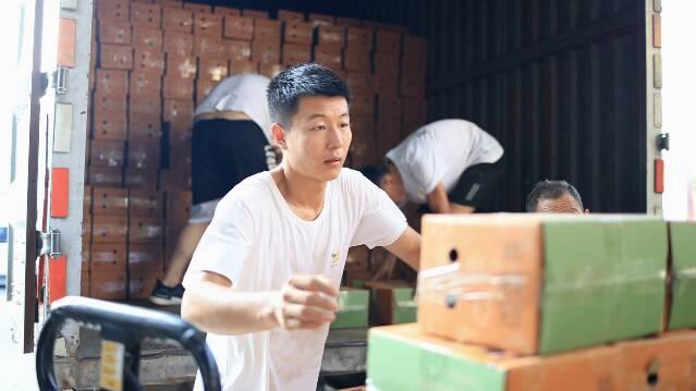 救援队、公益组织、爱心企业齐参与!潍坊昌乐紧急筹集近30吨物资驰援河南