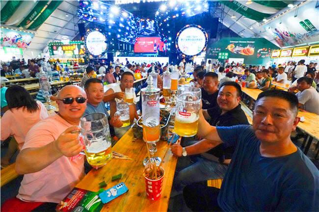 品鉴啤酒节|国评委推荐的青岛纯生,够鲜、够爽!
