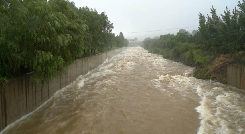 大约历时40小时,泄洪1400万立方米!直击枣庄市中区周村水库泄洪现场