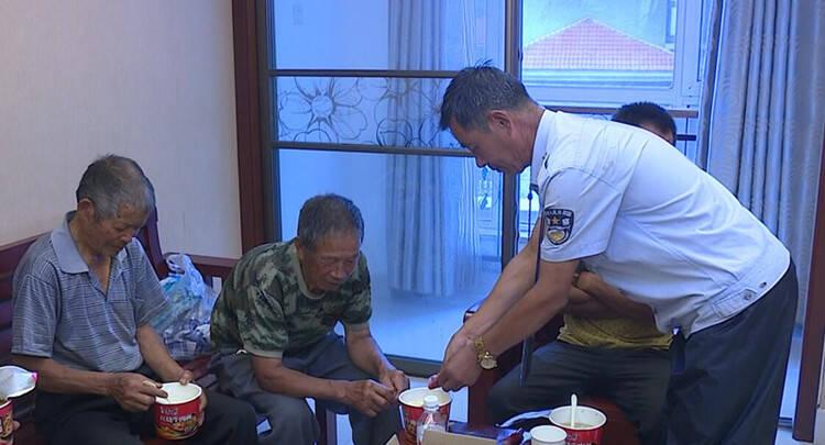 潍坊青州庙子镇:应对台风暴雨 提前转移33个村群众
