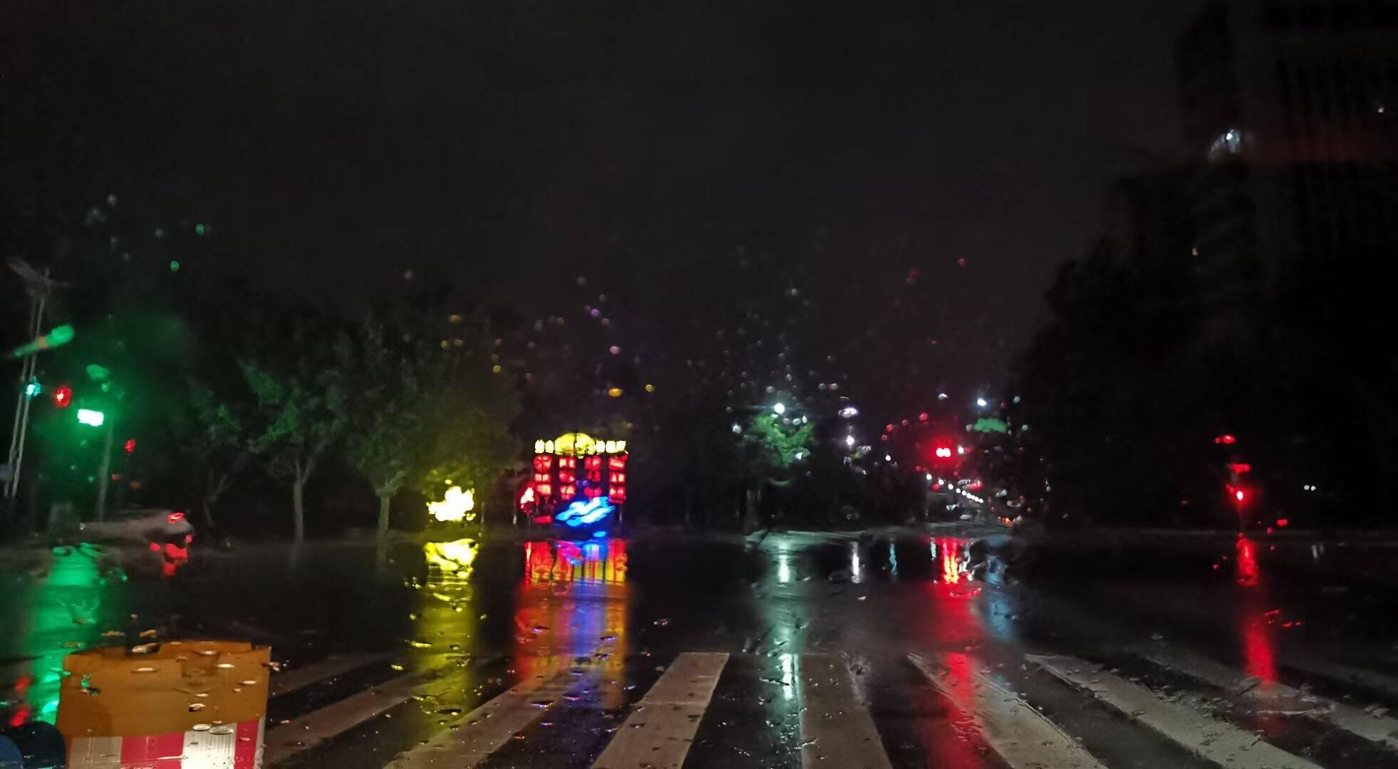 平原暴雨、博山12级大风!山东继续发布雷电黄色预警,这些地方仍有雷雨天气