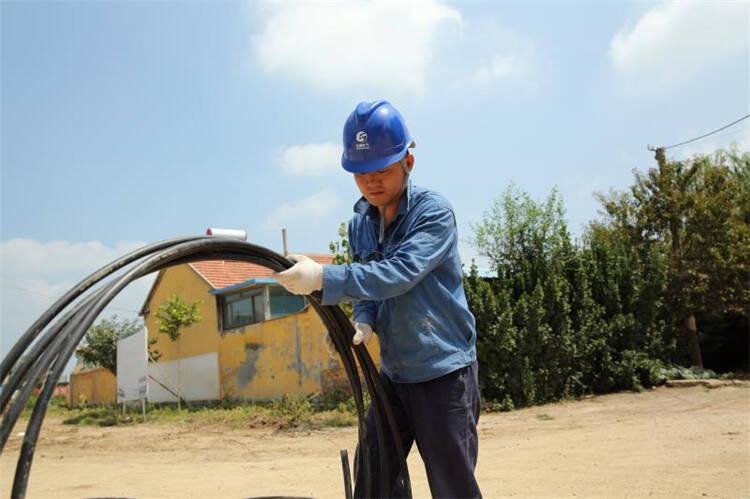 潍坊安丘:高温酷暑下的电力铁军