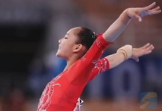 女子体操平衡木中国包揽金银牌