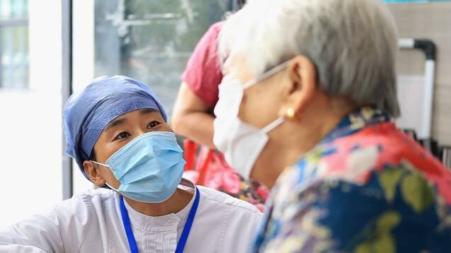 晚上忙到十一二点!潍坊昌乐医务人员加班加点构筑防疫屏障