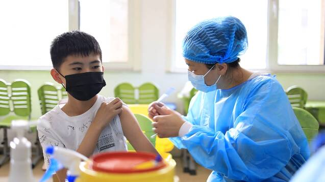 396名医务人员进校服务 潍坊昌乐全面启动12-14岁在校学生疫苗接种工作