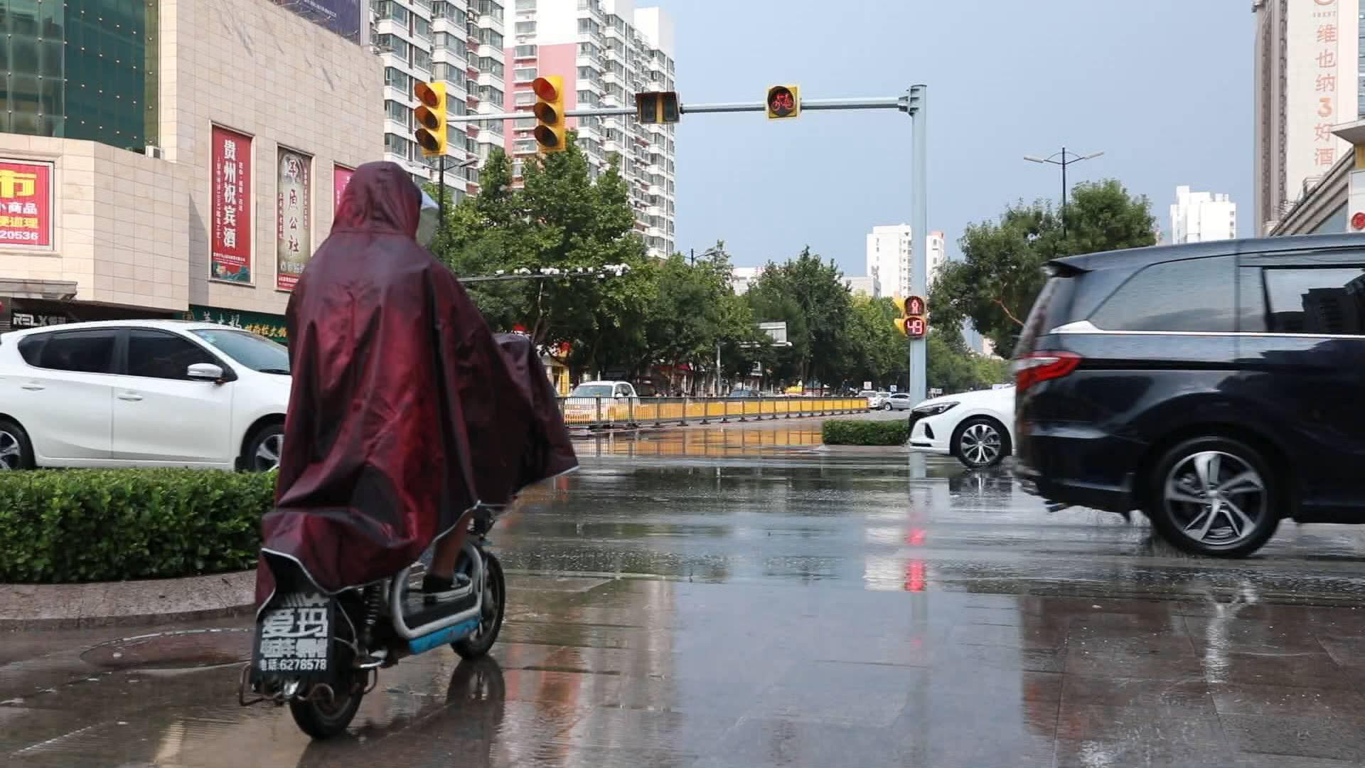 山东自西向东将有较明显降雨过程,济南等9市有中到大雨局部暴雨