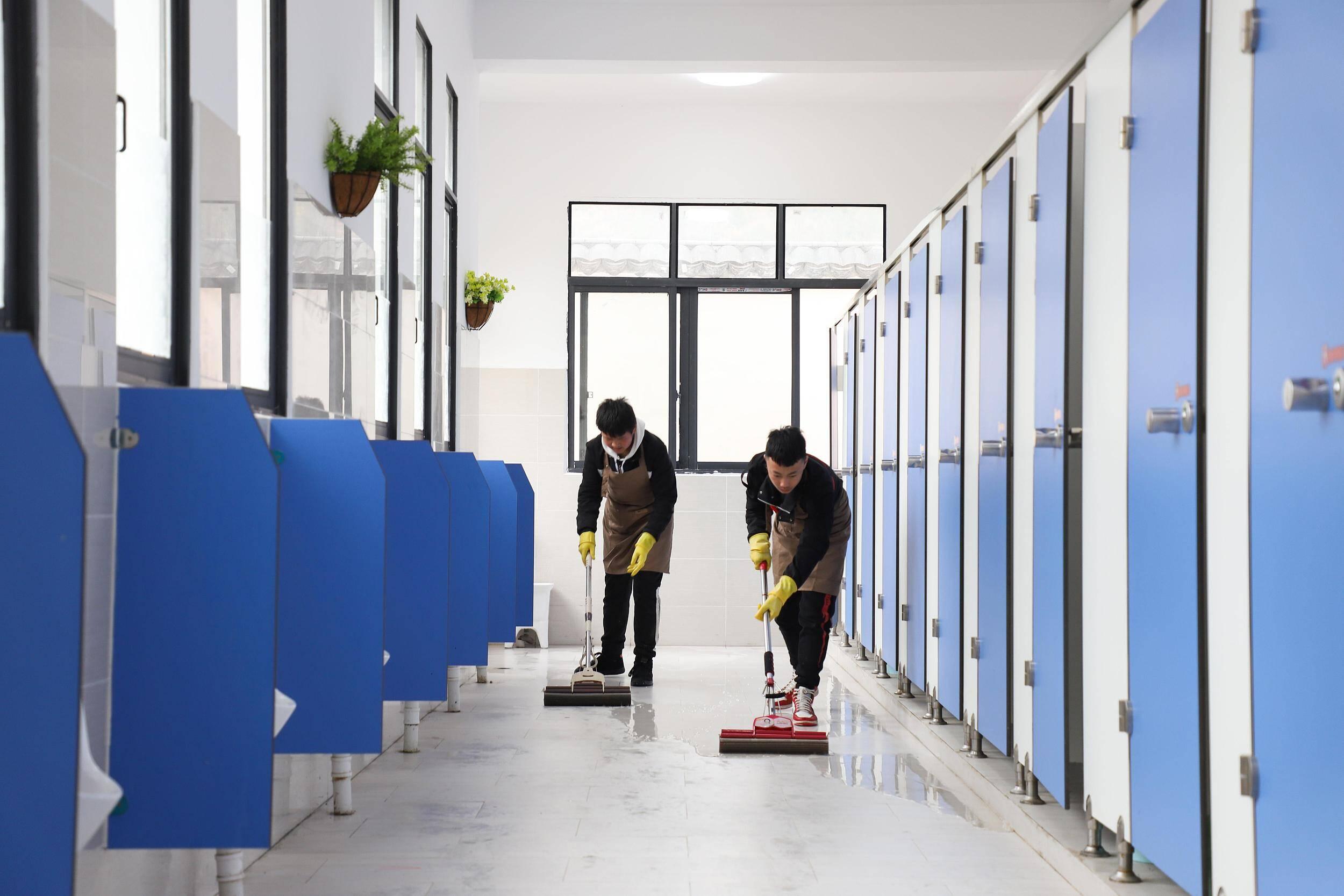"""""""厕所革命""""!山东部署学校厕所等校园环境卫生整治工作"""