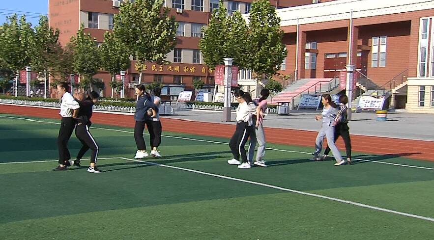 丰富教职工业余文化生活 金乡这所小学举办趣味运动会庆祝教师节