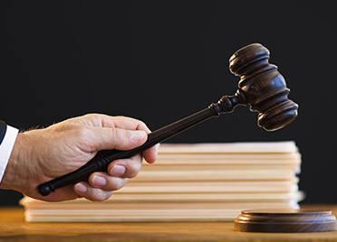 泰安一客车超载8人,司机被判拘役3个月罚金4000元