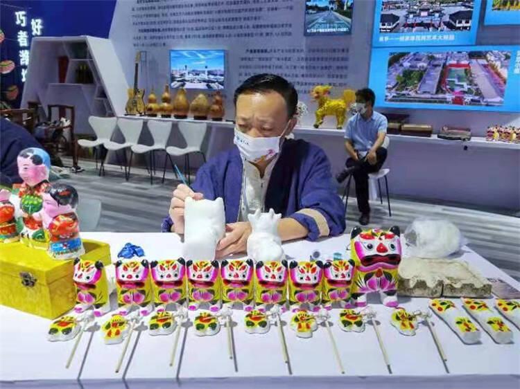 潍坊文旅元素精彩亮相第二届中国国际文化旅游博览会