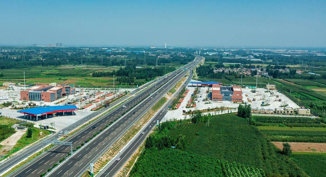 山东再添一条双向八车道高速公路!京台高速泰安至枣庄段改扩建项目通过交工验收