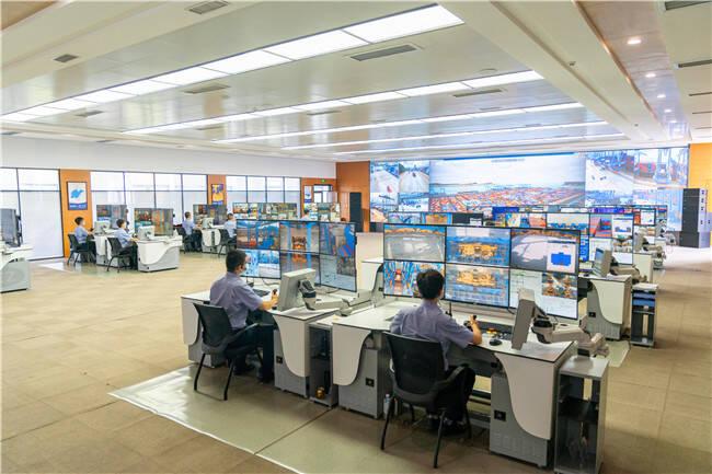 """全球首创!山东港口青岛港自动化桥吊""""一对多""""监控系统完成上线测试"""