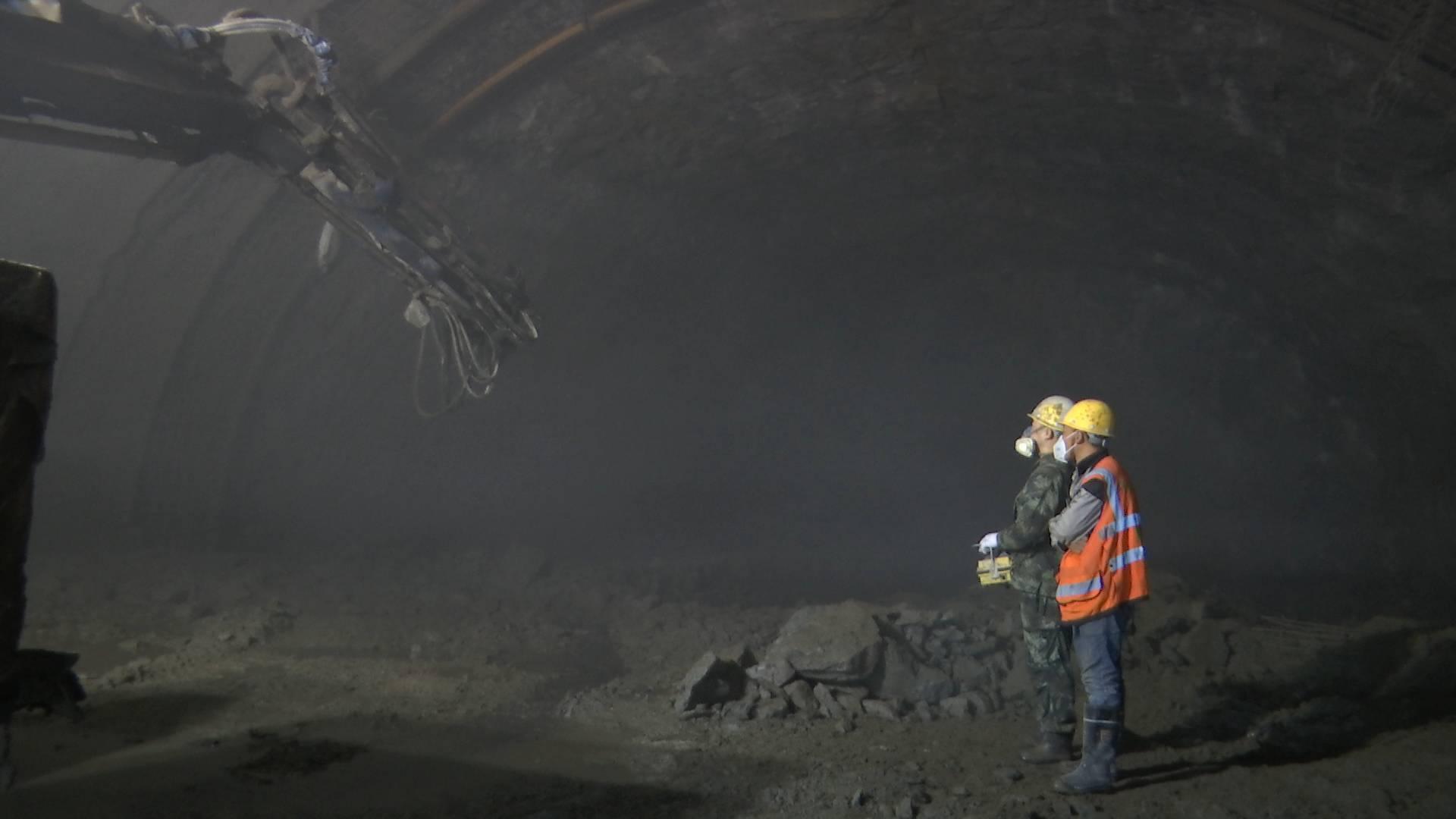 中秋假期·坚守|90后隧道工人:路通了 我的成就感就来了