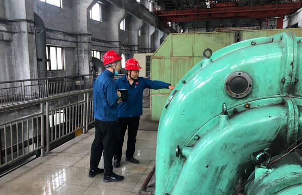 """国网青州市供电公司:锚定双碳目标积极推广""""网上电网""""系统应用 助力工程项目落地"""