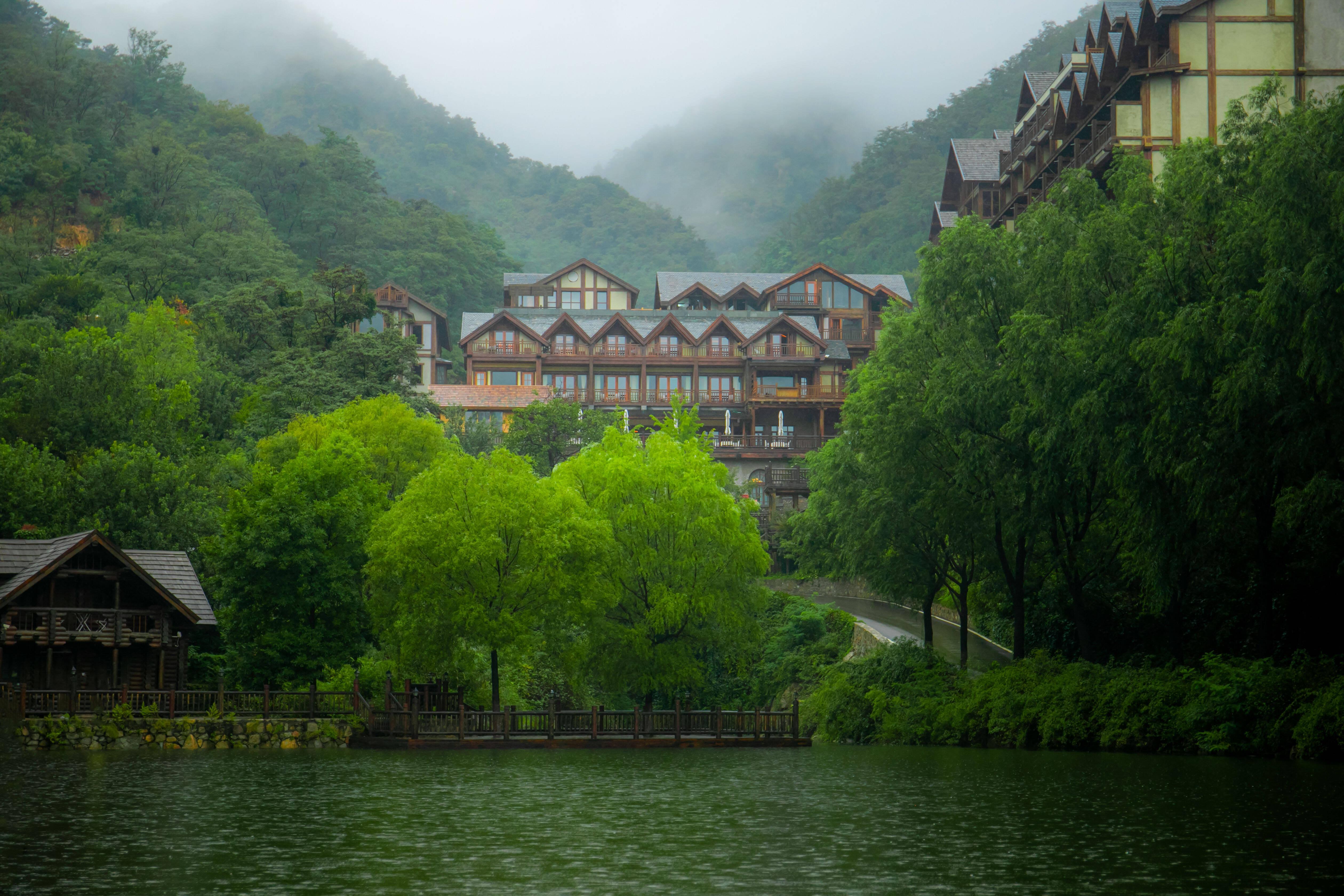 雨中的国庆假期也能玩得嗨 济南九如山带你解锁浪漫爆表新玩法