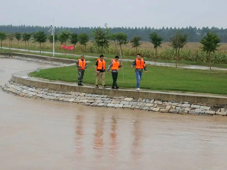 """黄河边的""""守河人"""":假期全员回岗24小时巡守 日均步行十几公里"""