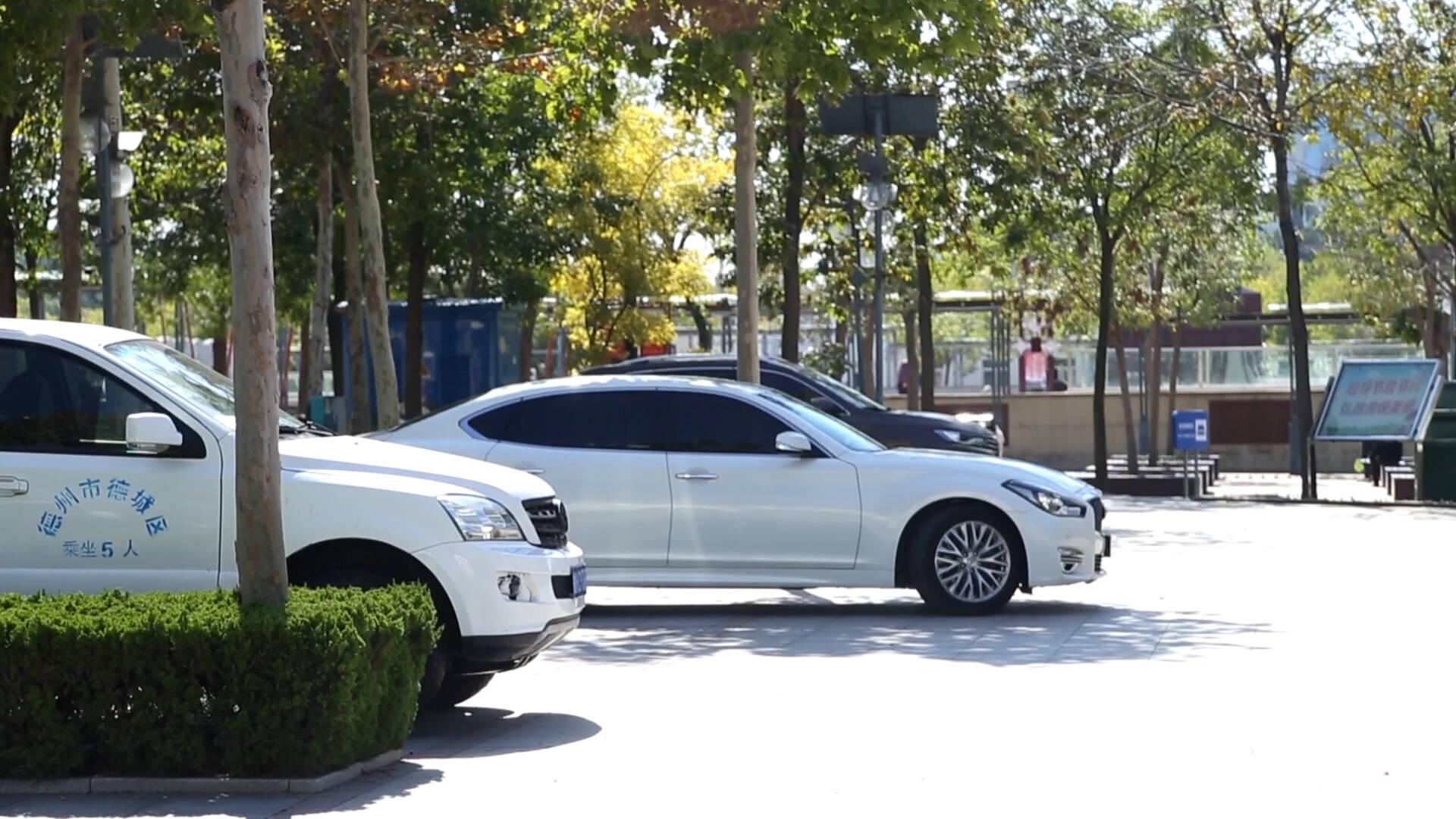 德州长河公园智慧停车场启用,提供130余个停车位,3小时内免费使用