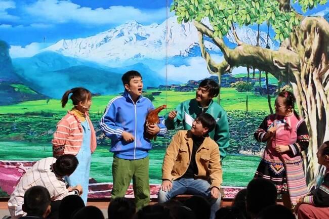 嗨翻天!儿童剧《童年》走进济南东方双语实验学校