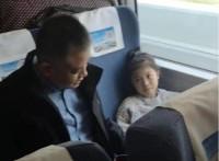高铁上泰国女孩突发疾病 德州医生暖心救助