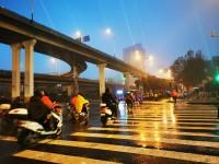 海丽气象吧|济南市发布道路结冰黄色预警 降雪、道路结冰将影响交通