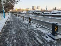 结冰严重!济南部分非机动车道、人行道寸步难行 防滑小妙招送上