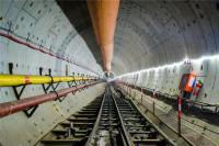 73秒|国内最长过海地铁隧道顺利贯通 穿越青岛胶州湾海域5.4公里