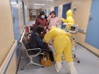 """湖北""""疫""""线记录丨山大二院医疗队员的第三天:7小时夜班,吐了两次又咽回去了"""