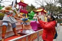 济南三大名胜景区恢复开放 少量市民有序入园