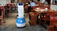安全又炫酷!济南一火锅店用机器人当传菜员